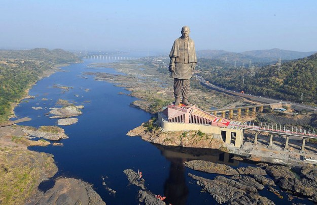 statue-of-unity-revealed-india-2 India Just Unveiled The Tallest Statue In The World And It's Almost 5 Times Bigger Than Rio Christ Random