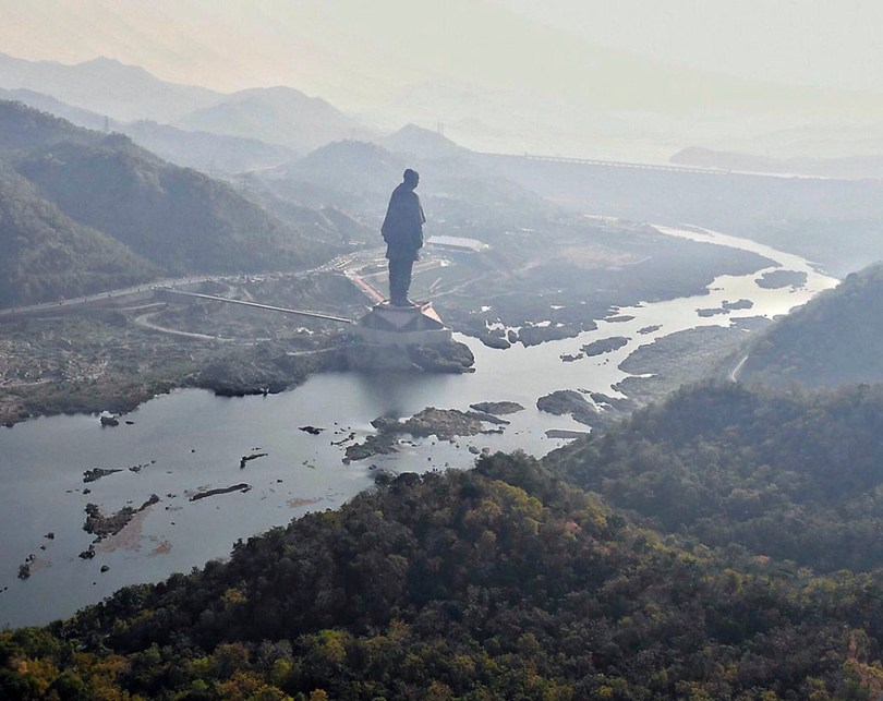 statue of unity revealed india 3 - Estátua mais alta do mundo é 6 vezes maior do que o Cristo Redentor