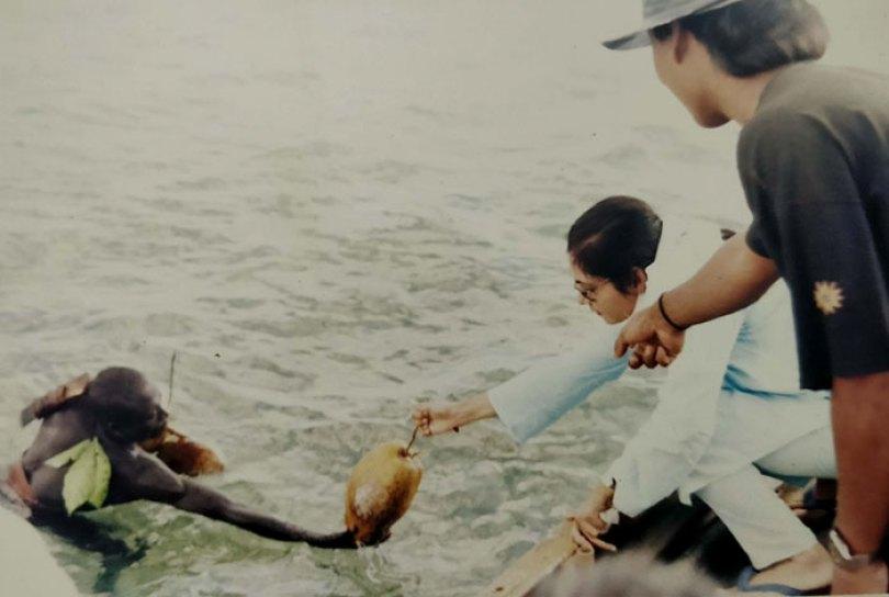 5c12165b1127b isolated tribe sentinel island andaman madhumala chattopadhyay india 5c0e426c151eb  700 - Ilha Sentinela - A ilha proibida!