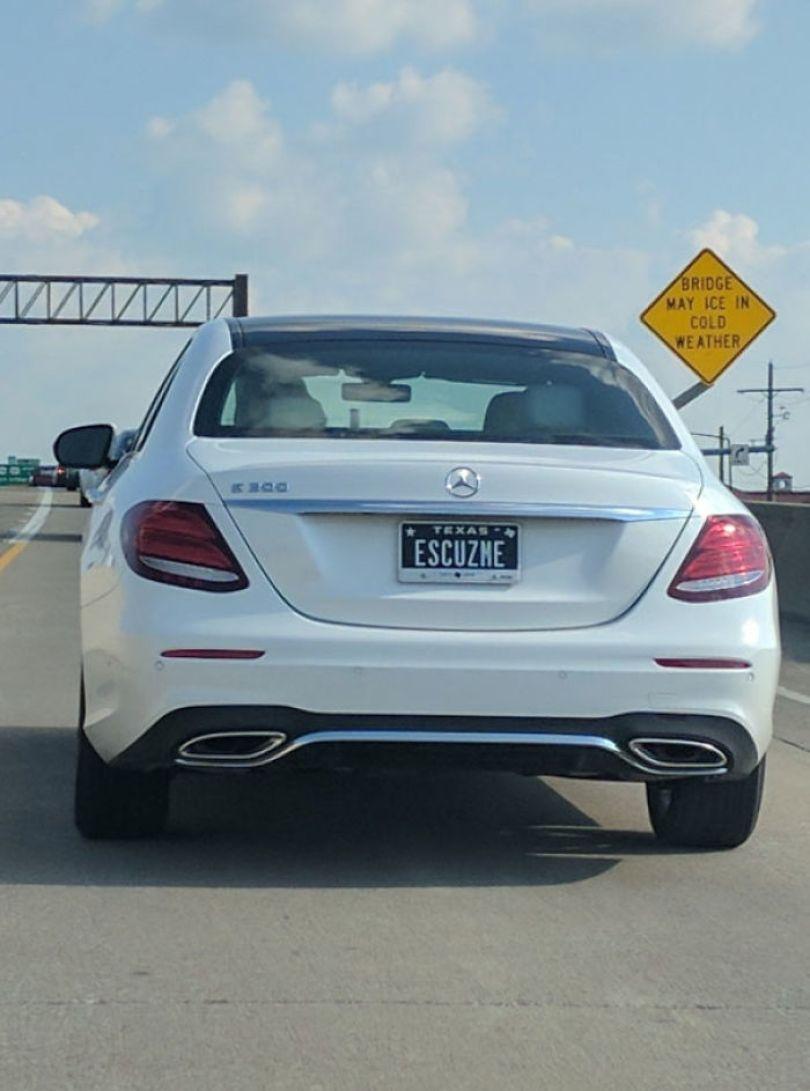 5cb045513ad06 funny license plates 18 5c9ddd127efbd  700 - Placa de carro: Curiosidades sobre emplacamentos de carros criativos e engraçados