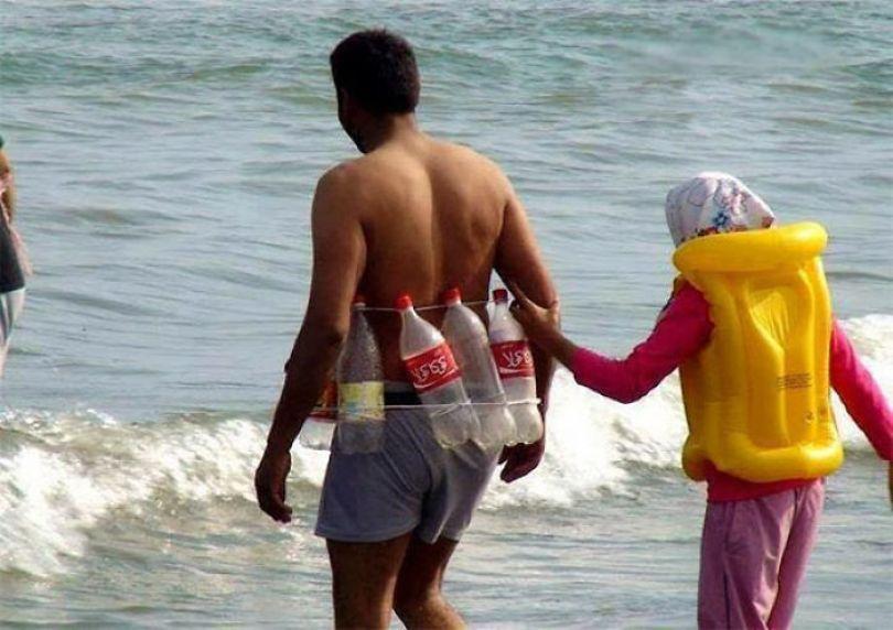 5cfa47139f4fd interesting funny beach 201 5b6d5e9f8b73b  700 - Coisas interessantes que as pessoas encontraram na praia