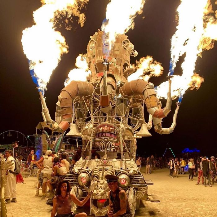 5d6f6c5279be9 burningman2019  3 9 2019 9 11 32 292 5d6e04140c480  700 - 30 fotos do festival Burning Man Nevada 2019