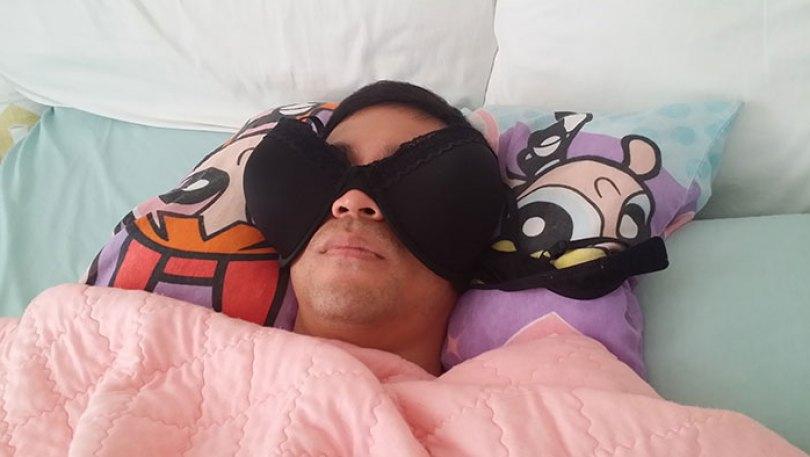 5d832ed5e85ff funny people sleeping positions 56 5d7612dc9875b  700 - Pessoas dormindo em posições extremamente desconfortáveis