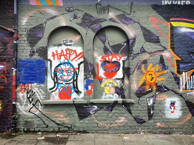 amazing transparent graffiti vile 30 - Português faz as paredes parecerem transparentes usando nada além de tinta Spray