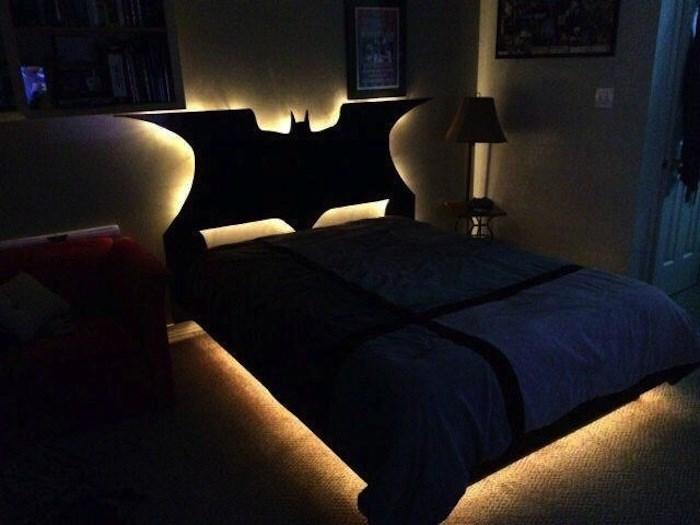 5d9ee09694ecc beds bedrooms with threatening auras 13 5d9c765738035  700 - 30 camas bizarras que só precisavam ser compartilhadas