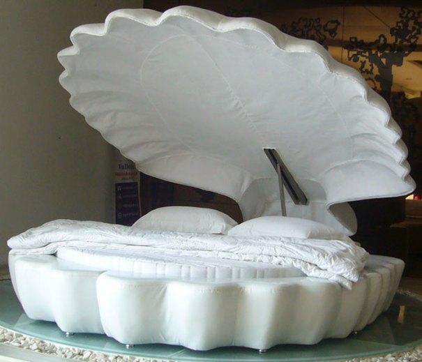 5d9ee0974dc23 beds bedrooms with threatening auras 63 5d9dd9b699280  700 - 30 camas bizarras que só precisavam ser compartilhadas