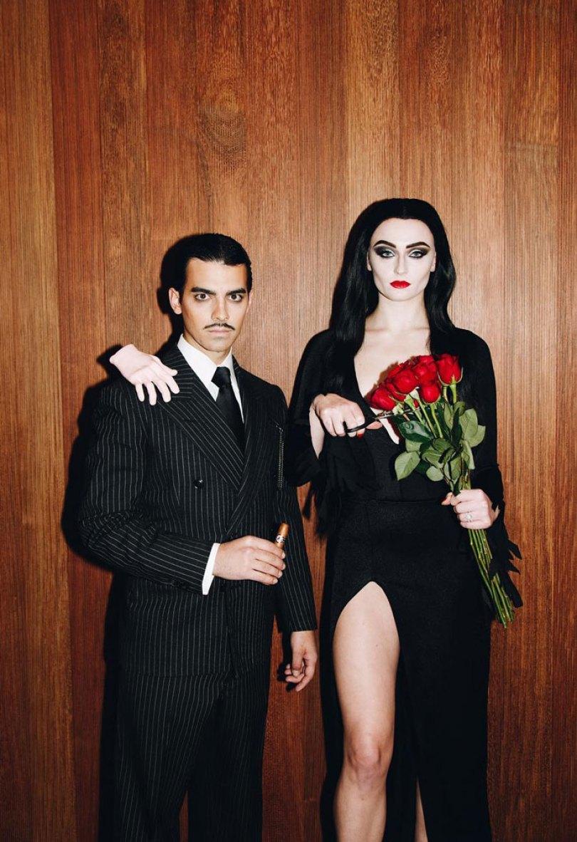 5dba9815acd3d Halloween Couple Costume Ideas 214 5dadb58bc72c7  700 - Casais que apavoraram em suas fantasias para o Halloween