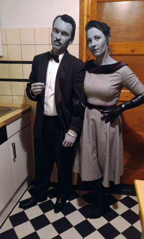 5dba9818eb7cb Halloween Couple Costume Ideas 231 5daea78a0605e  700 - Casais que apavoraram em suas fantasias para o Halloween