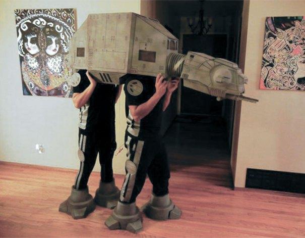5dba98191a32d Halloween Couple Costume Ideas 241 5daeb36c1f517  700 - Casais que apavoraram em suas fantasias para o Halloween