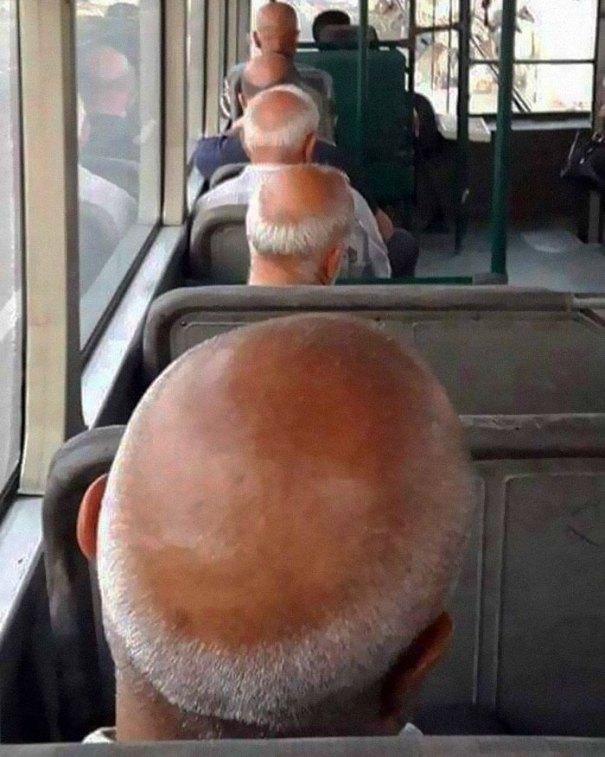 5dc3d4b907f5f humans of trolleybuses 315 5dc2850fc16ec  700 - Conta do Instagram compartilha as coisas mais estranhas do transporte público