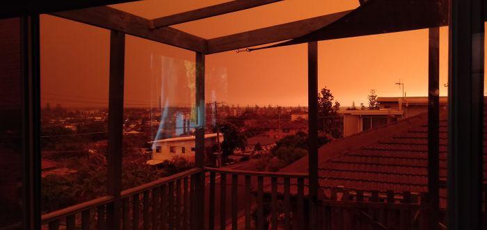 5e14430419642 5e12fdb503e85 97knrx18cx841  700 - Internet compatilha 50 fotos que revelam as queimadas na Austrália