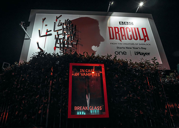 5e16e2b3d8c19 dracula 1 5e15a00e2e653  700 - Facas fazem sombra em Marketing de Drácula da BBC