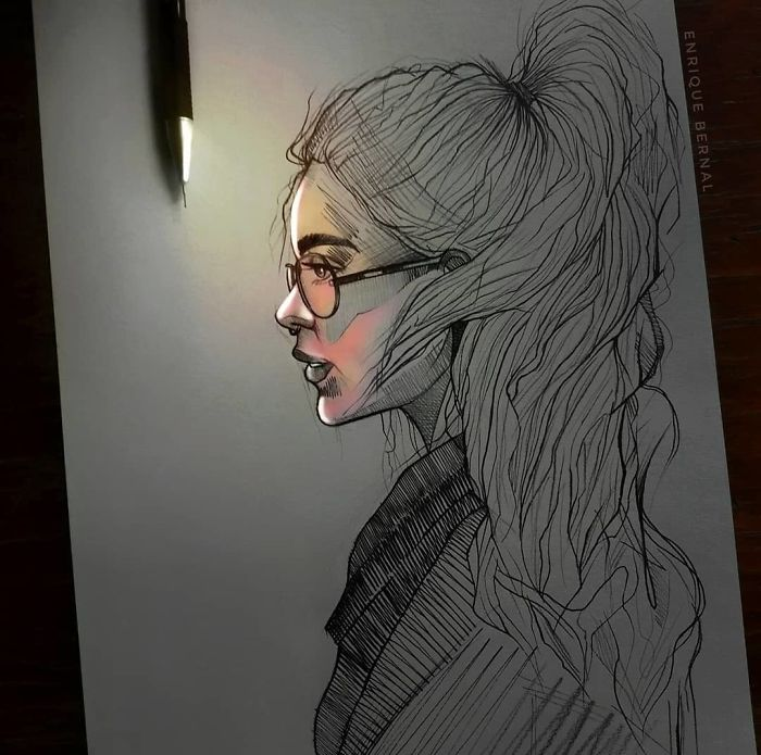 5e4b9f68e63b0 B2ICtfApxZT png  700 - Técnica única deste artista faz parecer que seus desenhos estão brilhando