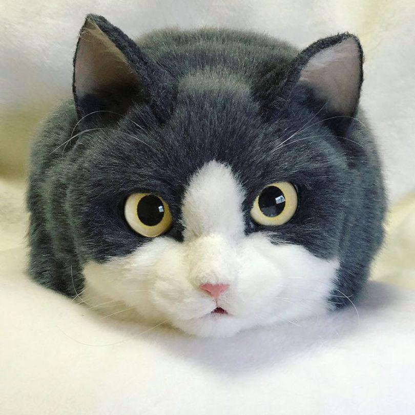 5e577ec157f30 Japanese artist continues to create bags in the shape of cats and realism impresses 5e54d02524014  880 - Artista japonês cria Bolsas de gatos que assustam de tanta veracidade