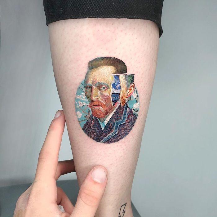 5e689af8a8c28 ByxYAufFzTU png  700 - Tatuagens minúsculas inspiradas na cultura Pop de tatuador Israelense