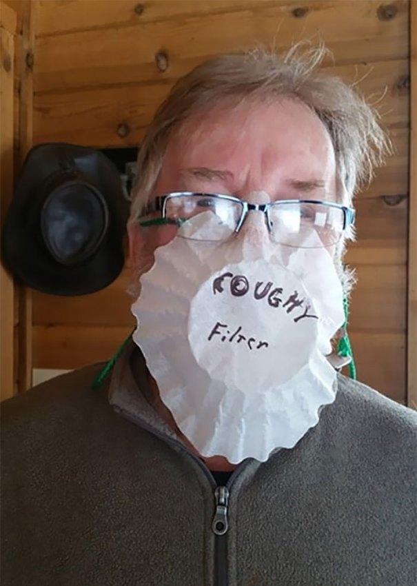 5e86e609d3362 funny coronavirus masks protection 40 5e8483aecc05c  700 - 40 maneiras divertidas e criativas de proteger as pessoas do coronavírus