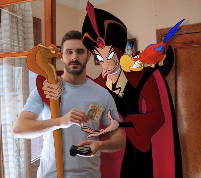 5f6320d722322 This guy is interacting on adventures with cartoon characters and the result is really fun 5f6062eb946ce  880 - Artista mostra seu cotidiano com os personagens da Disney