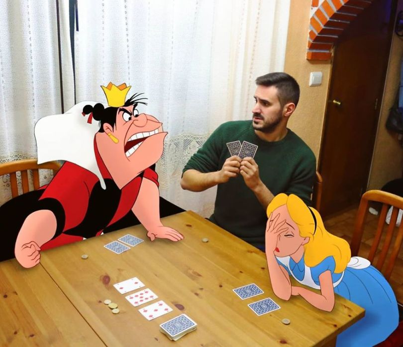 5f6320ddb6cb2 This guy is interacting on adventures with cartoon characters and the result is really fun 5f6062ff9b846  880 - Artista mostra seu cotidiano com os personagens da Disney