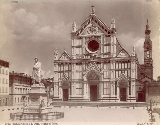 Figura 2. Giacomo Brogi (1822-1881), Firenze, Chiesa di S. Croce e statua di Dante. Immagine tratta da Wikipedia.