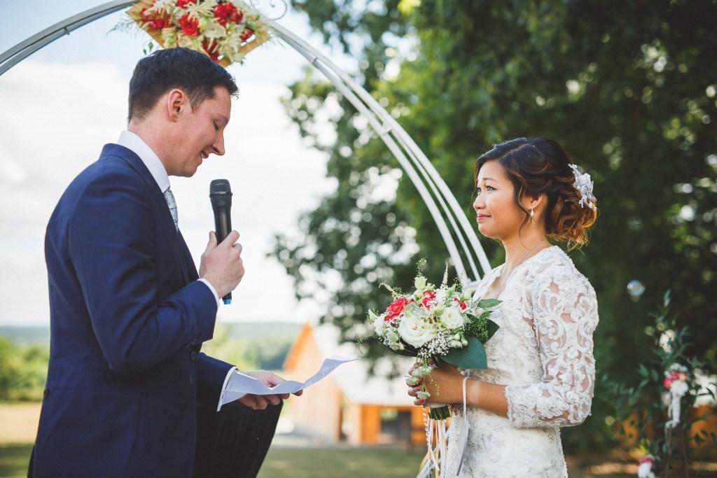 Demoiselle-capeline-wedding-planner-bretagne-officiante-ceremonie-laique