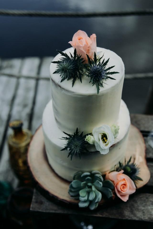 SHOOTING MARIAGE VEGETALE - Demoiselle capeline Wedding planner et officiante de cérémonie laïque