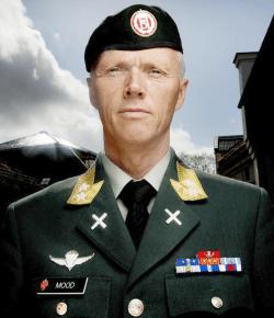 Generalløytnant Robert Mood