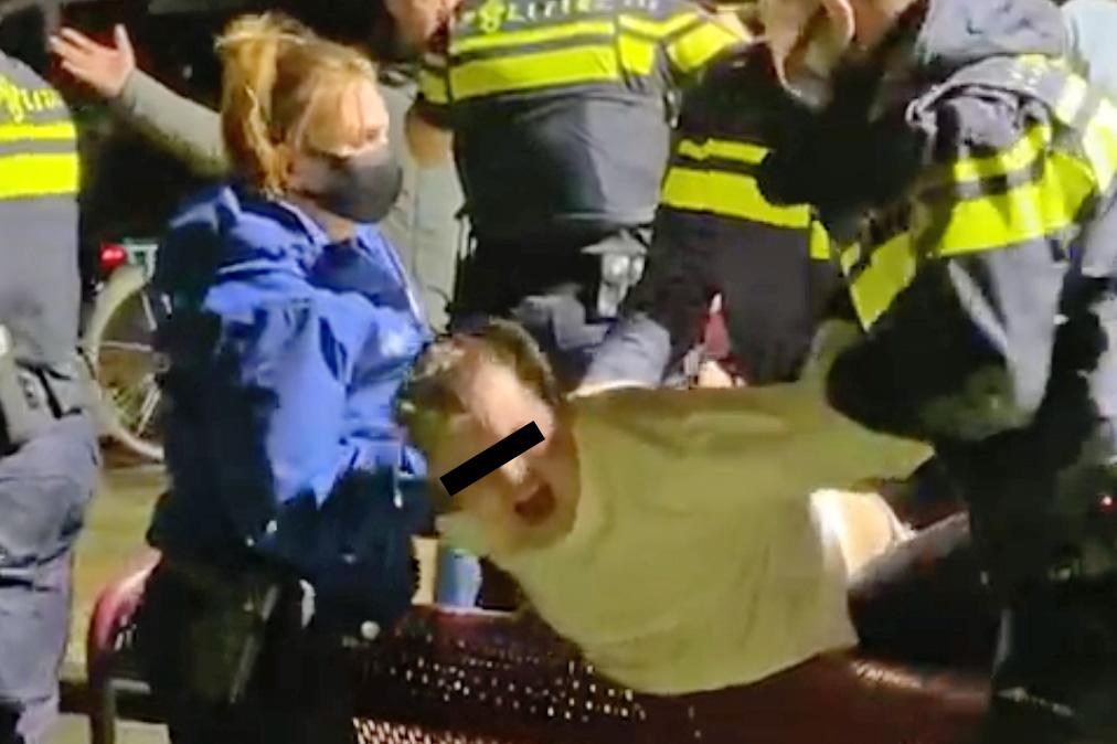 Jongeren Middengebied zijn geweldsexplosie 40- en 50-jarigen zat