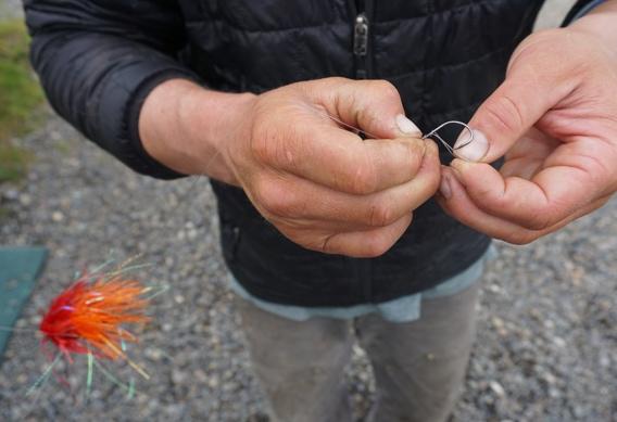 Rigging stinger hooks for tube flies