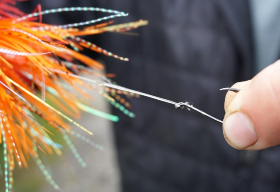 Rigging stinger hooks for tube flies