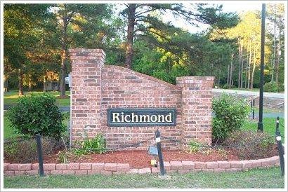 Richmond Place DS Sign