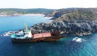 Kilyos Açıklarında Kırılan Gemi Parçalanmaya Başladı