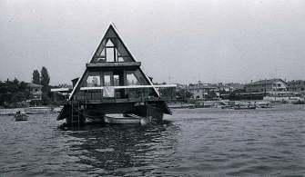 Geçmişte İstanbul'da Yüzen Evler Vardı