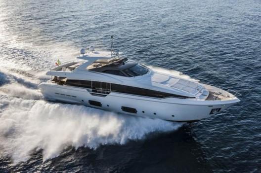Ferretti-960-Yacht1-528x351