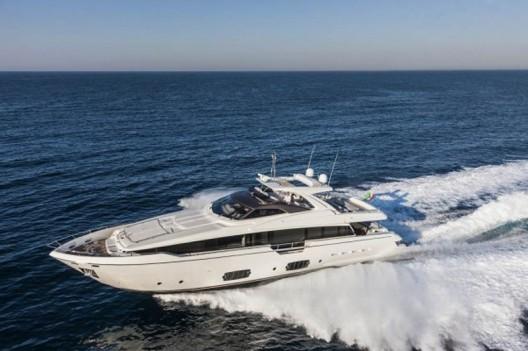 Ferretti-960-Yacht6-528x351