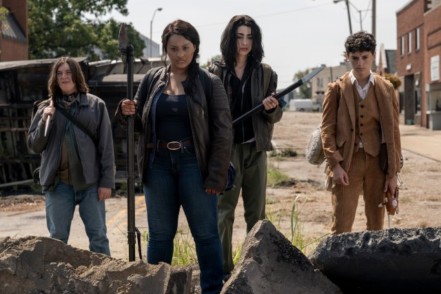 How The Walking Dead: World Beyond Expands the Zombie Universe with Its  Unique Teen Characters | Den of Geek