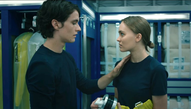 Voyagers Review: Horny Sci-Fi Movie Needs a Time-Out | Den of Geek