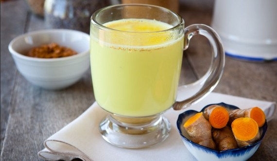 Benefits of Drinking Milk With Turmeric Powder