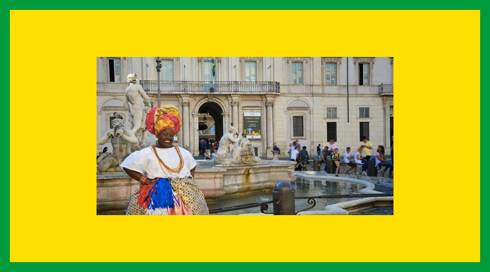 """""""Il Brasile ti chiama"""": donna in tipico abbigliamento baiano"""