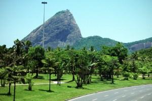 Il Pan di Zucchero visto dall'Aterro do Flamengo.