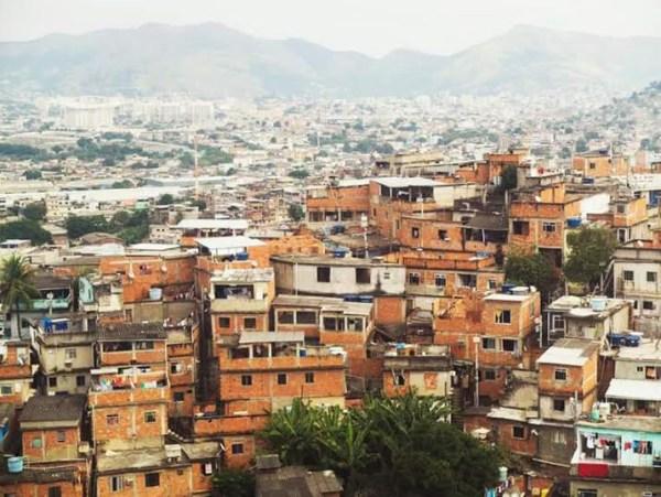 volontariato-favelas-rio-chiara-2