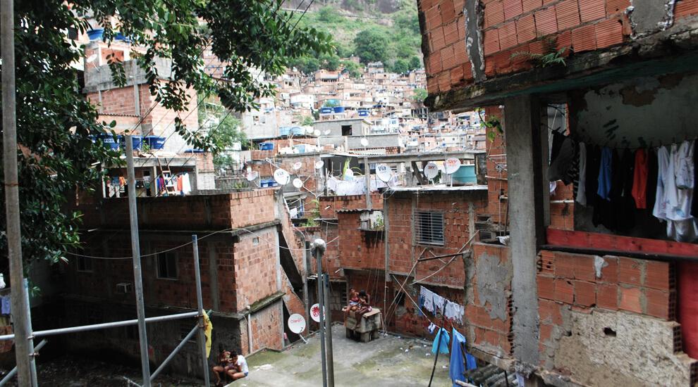 favela-brasile-rocinha-rio-de-janeiro