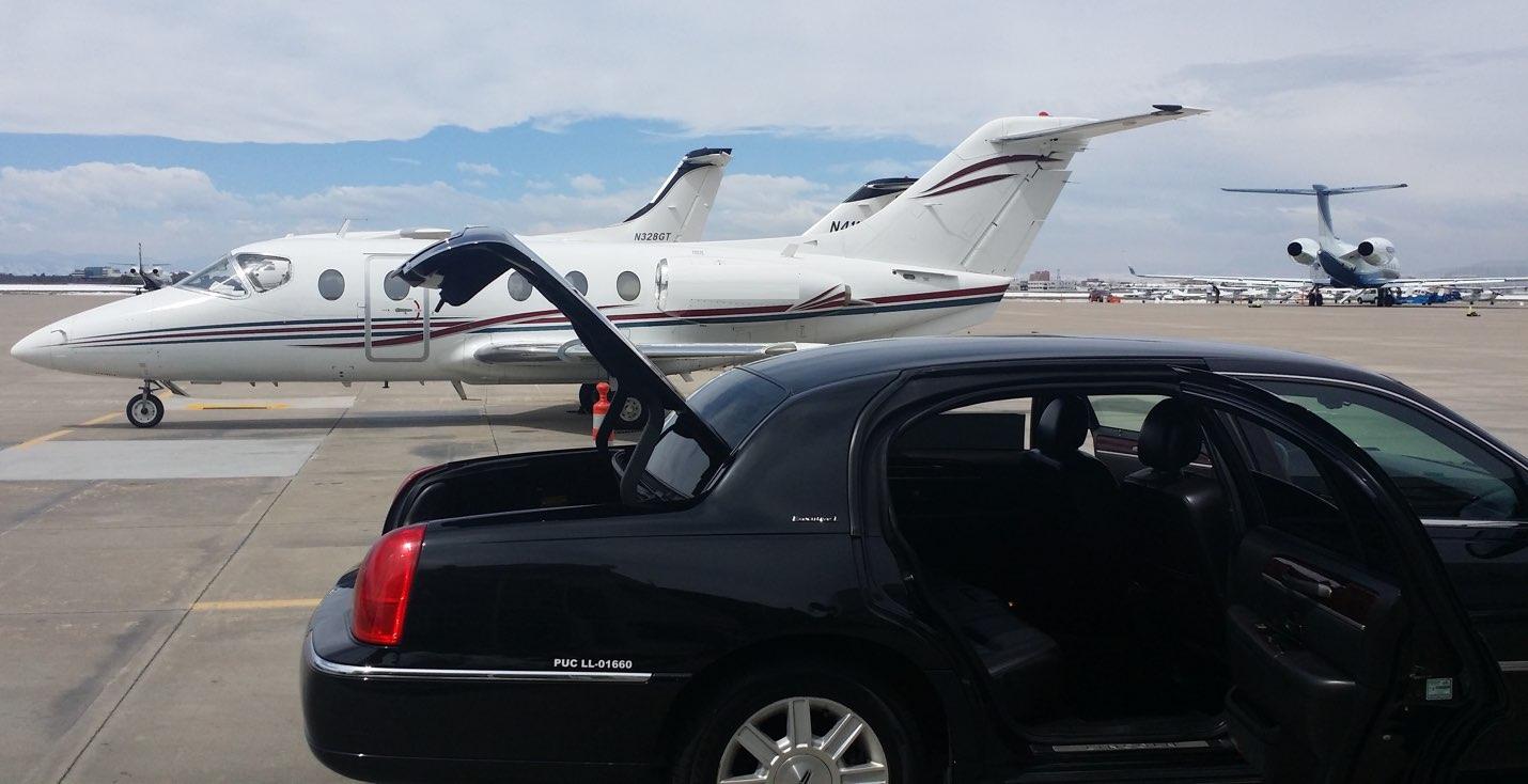 Lincoln Town Car at Centennial Airport