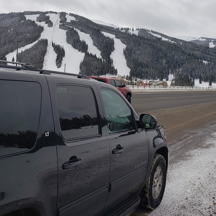 Denver Airport to Cooper Mountain car service. Private SUV service