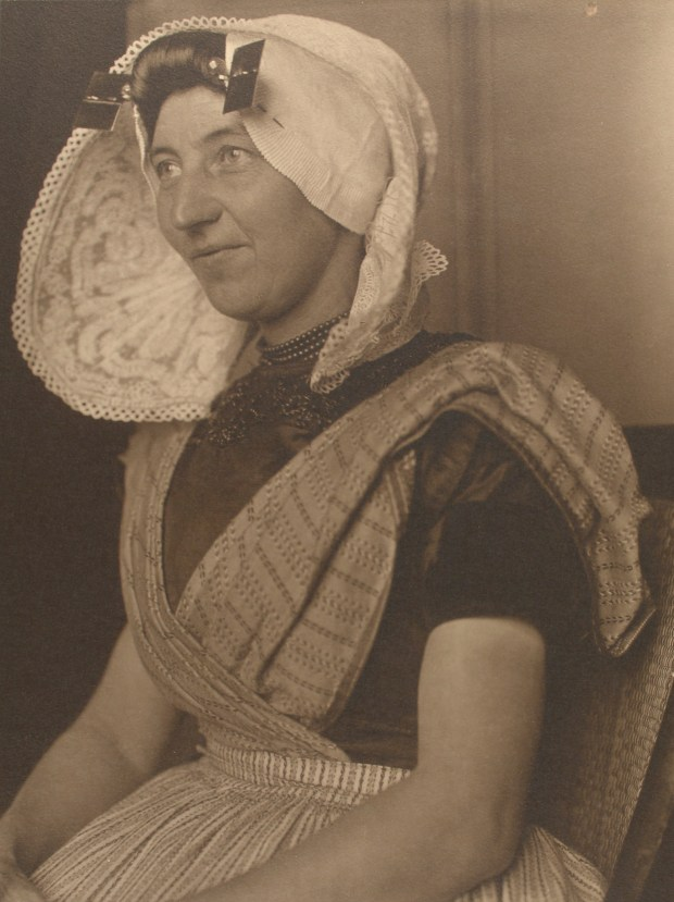 Dutch woman. Photo courtesy of New York Public Library Digital Collections.