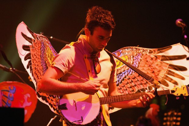 LOS ANGELES, CA - OCTOBER 09: Sufjan Stevens performs on his banjo during his concert on October 9, 2006 at the Wiltern Theater in Los Angeles, California. (Photo by Karl Walter/Getty Images)
