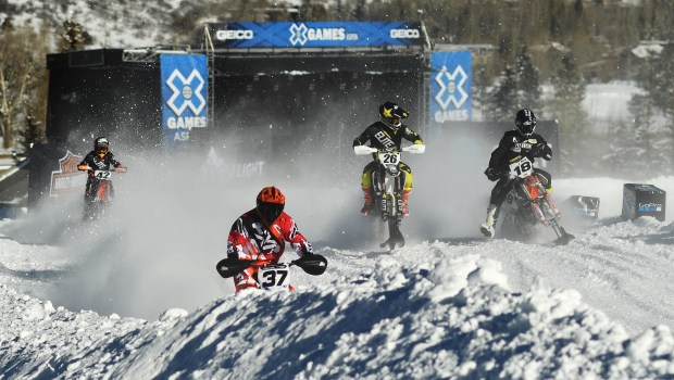 Riders make their way around the track during the Snow BikeCross final event.