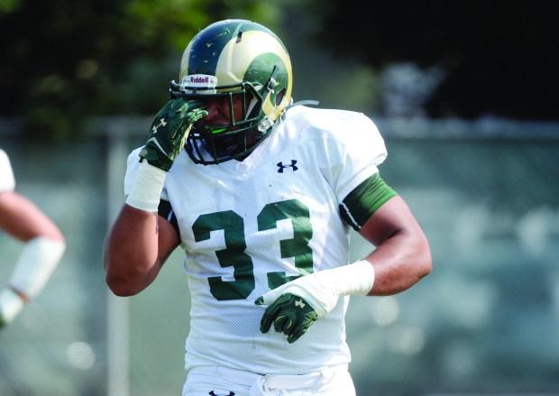 Rams linebacker (33) Kevin Davis
