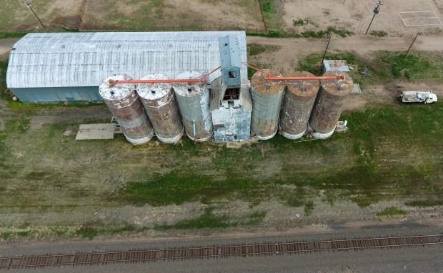 Paint peals off grain elevators along ...