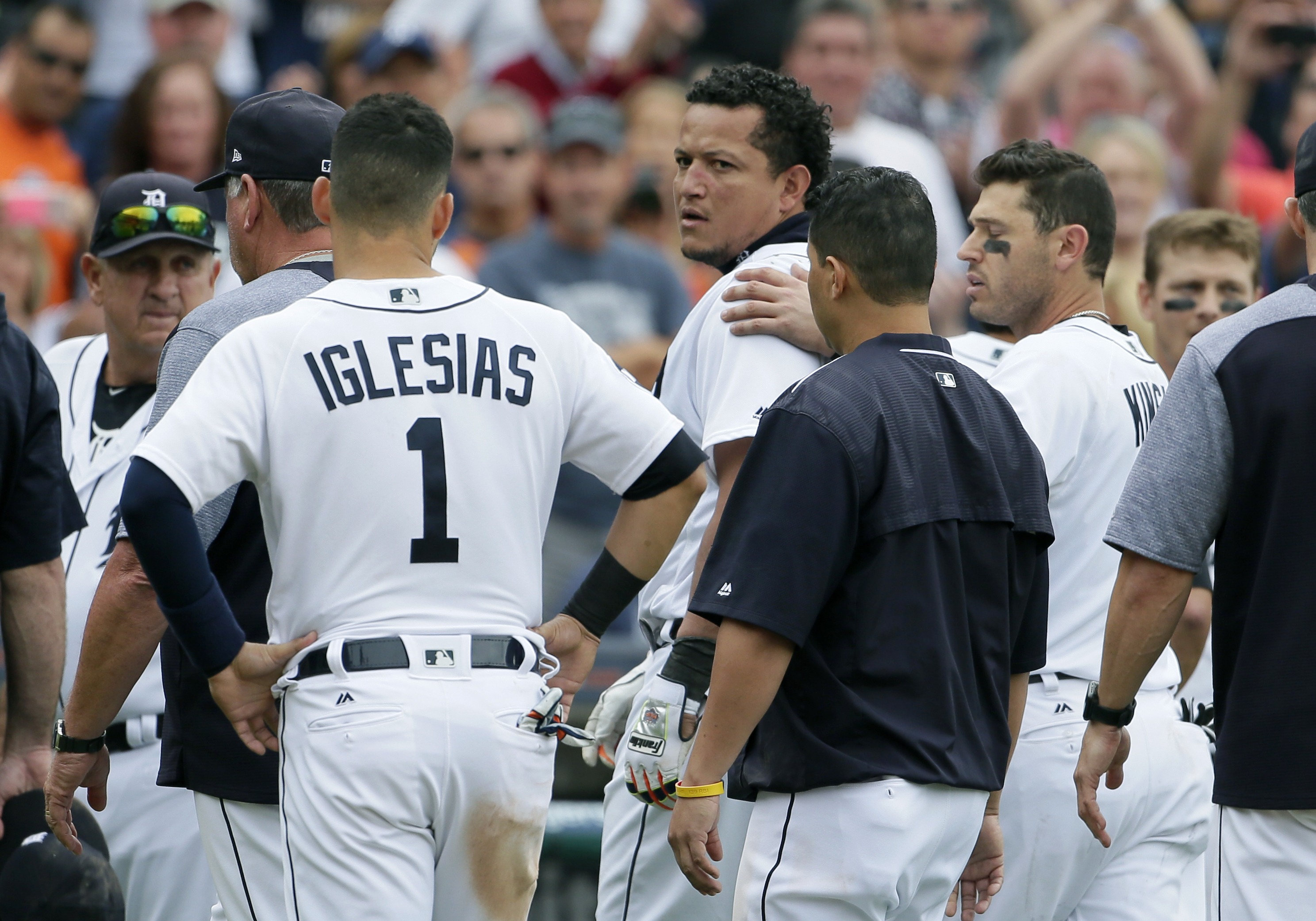 Tigers DH Cabrera, Yankees C Romine ejected after wild brawl