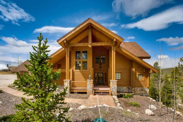 Rocky Mountain National Park: The 2008 log home in Grand Lake, Colo., is listed at $1.2 million.